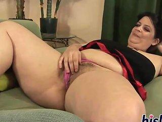 Raunchy Fatty Has Her Hirsute Muff Plugged