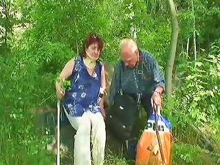 Even Though This Granny Is In A Neck Brace She Still Loves To Fuck