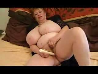 Mature Bbw Plays With Pussy